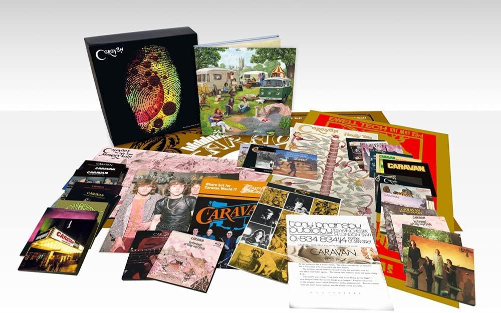 """Caravan: il mega-cofanetto di 37 dischi """"Who Do You Think We Are?"""" esce il 20 agosto. Guarda il trailer – VIDEO & PRE-ORDINA"""