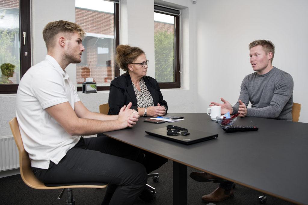 Et godt ledelsestip: Nu holder Vejen Jobcenter mere effektive møder