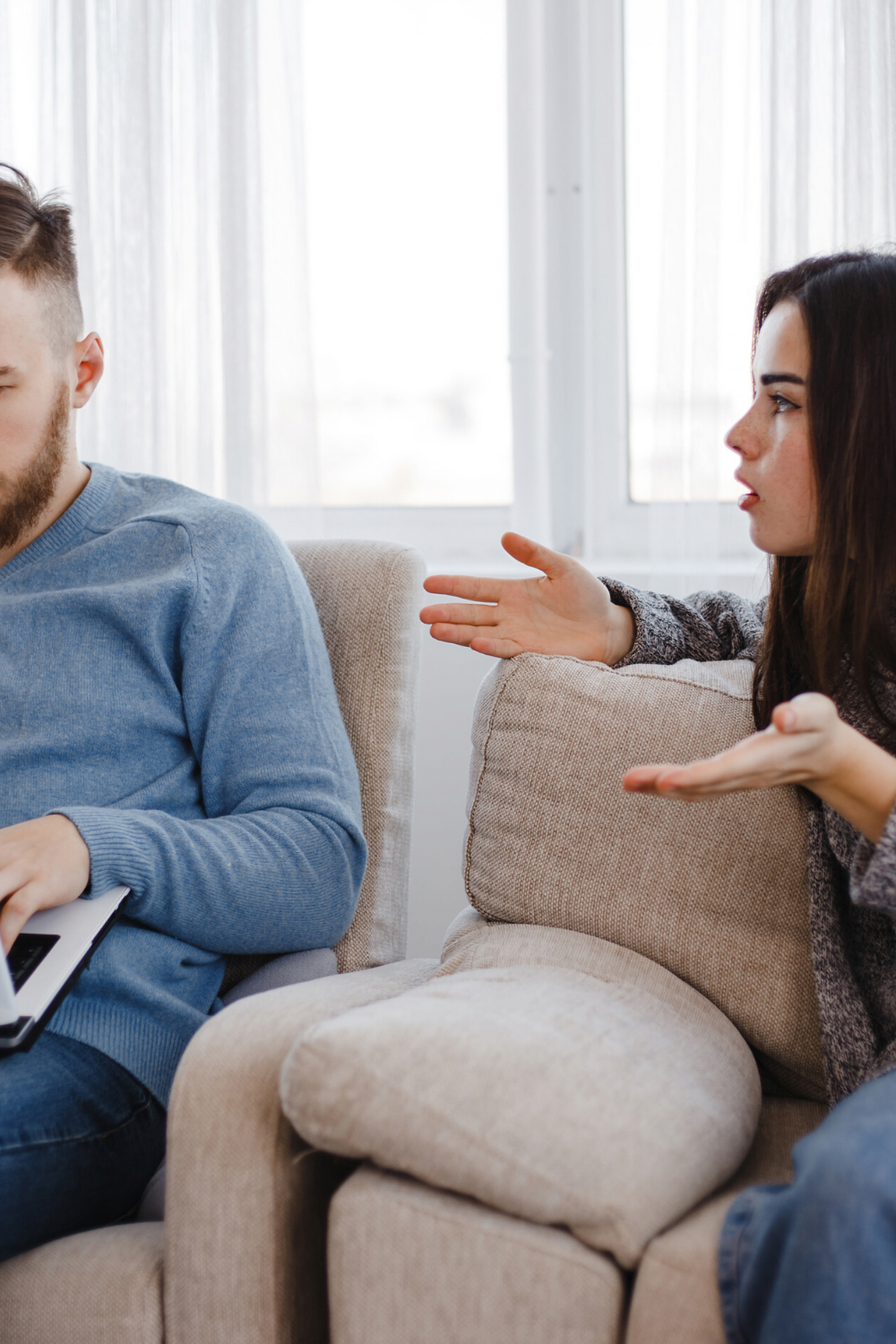 13 SIGNS YOUR PARTNER IS LYING TO YOU