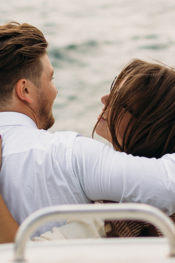 6 Things Smart Women Do in a Relationship