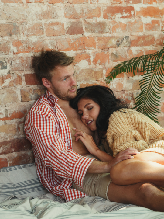 11 Warning Signs He is Using You for a Place to Live