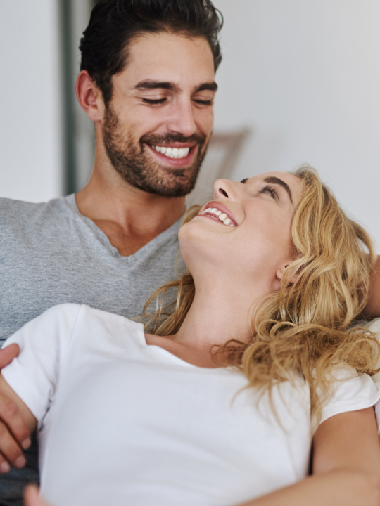 15 Amazing Signs Your Husband Loves You Deeply