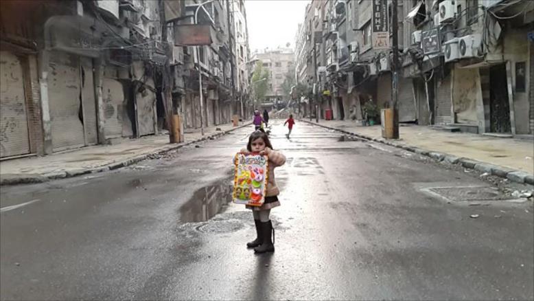 """Photo of فرح نجار: مخيم اليرموك.. من """"حرب التجويع"""" إلى """"الإبادة"""""""