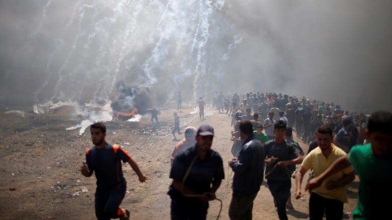 Photo of الاحتلال يواجه مليونية سلمية بمجزرة وعباس يشدد على النضال حتى إقامة الدولة المستقلة