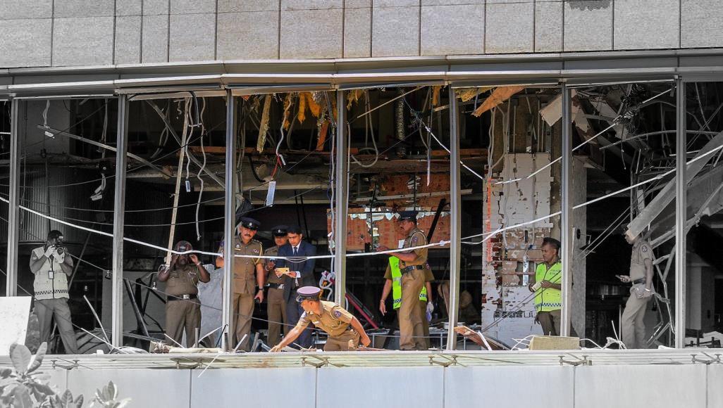 Photo of أكثر من 200 قتيل بتفجير إرهابي يستهدف كنائس وفنادق في سريلانكا