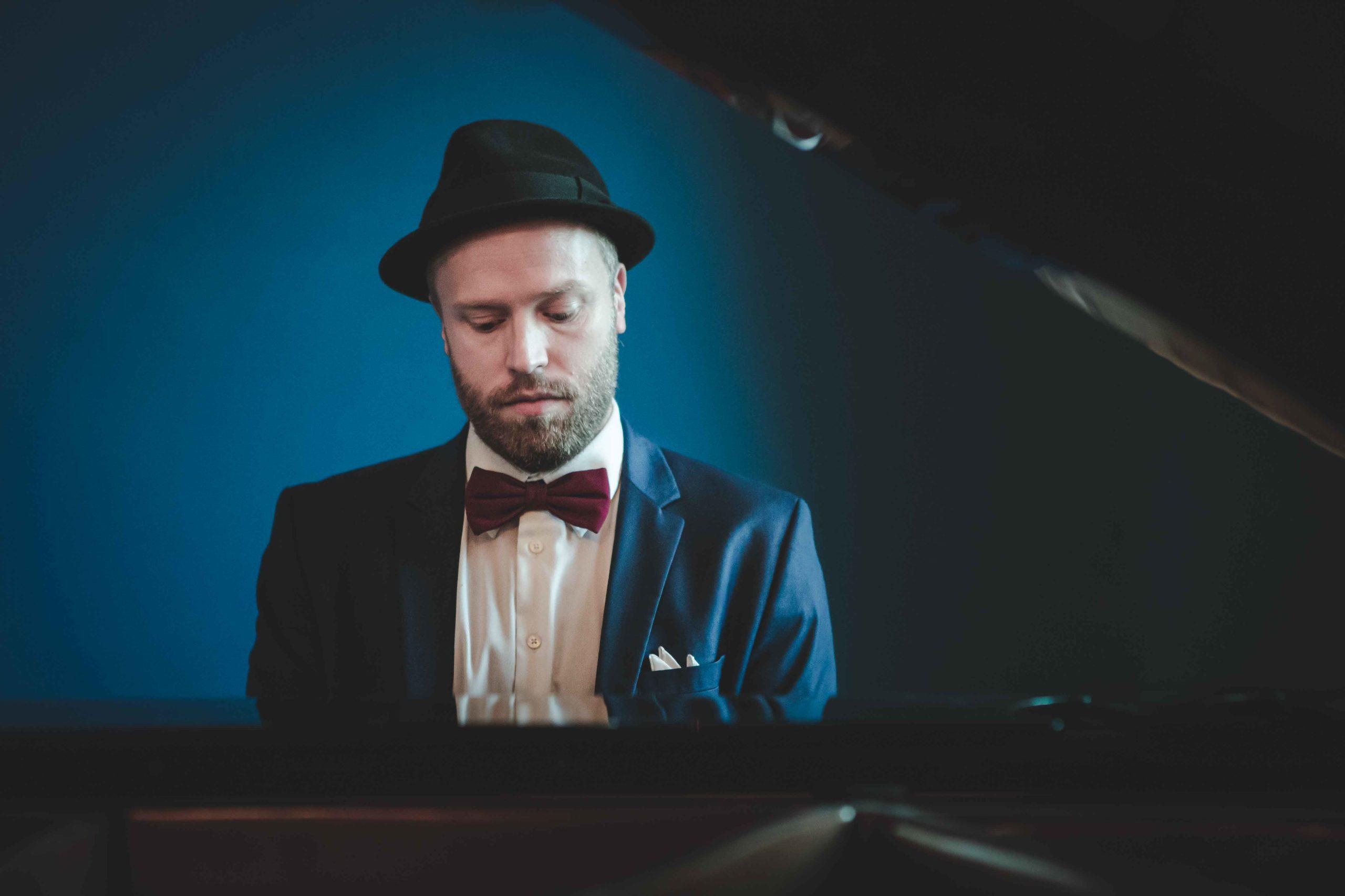 Oscar Gilbert tilbyder dinnerpiano, jazzband og festmusik
