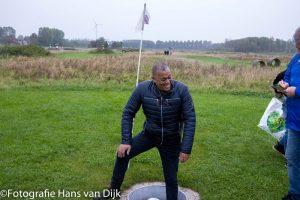 Footgolf Spaarnwoude MO17 1 en begeleiding van Tiger Woods in de put