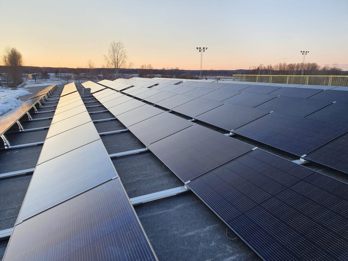 Solceller platta tack