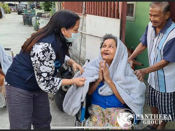 Panthera Group warms hearts, lives of Bangkok slum residents with free blankets