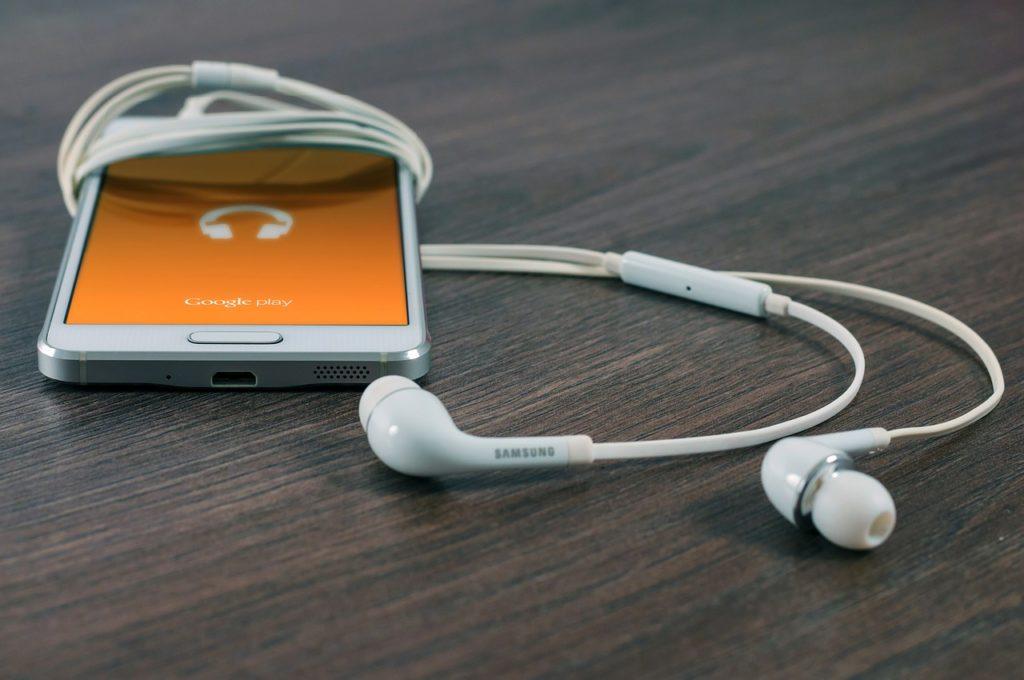 telefon med öronsnäckor