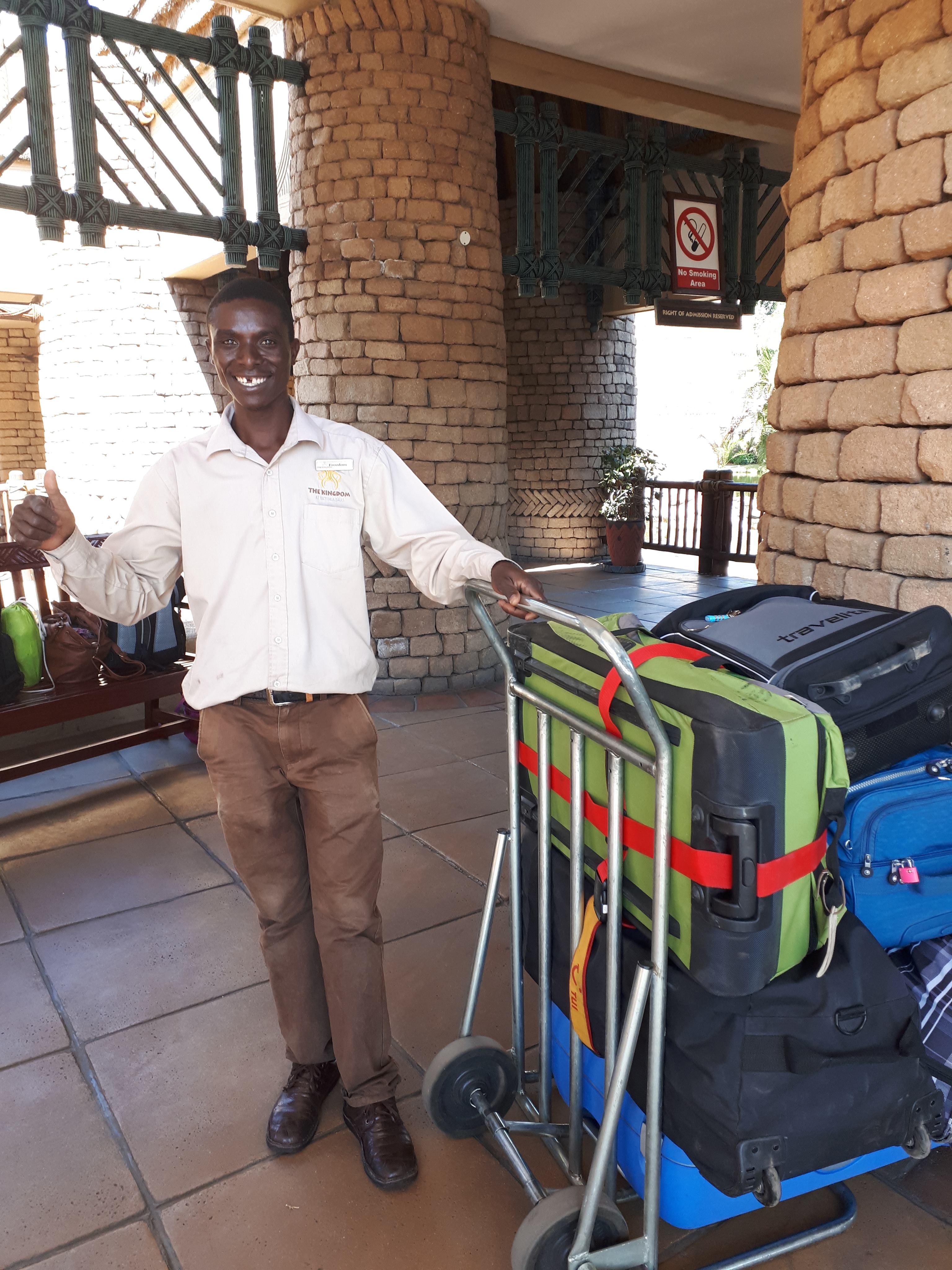 Freedom mit unserem Gepäck The Kingdom Victoria Falls Zimbabwe
