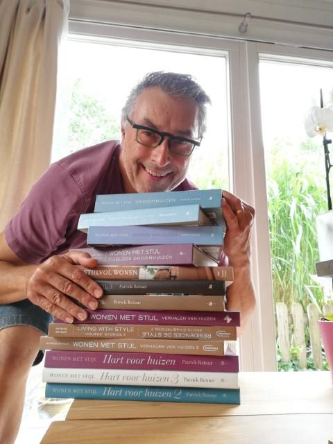 Patrick Retour, boekenauteur