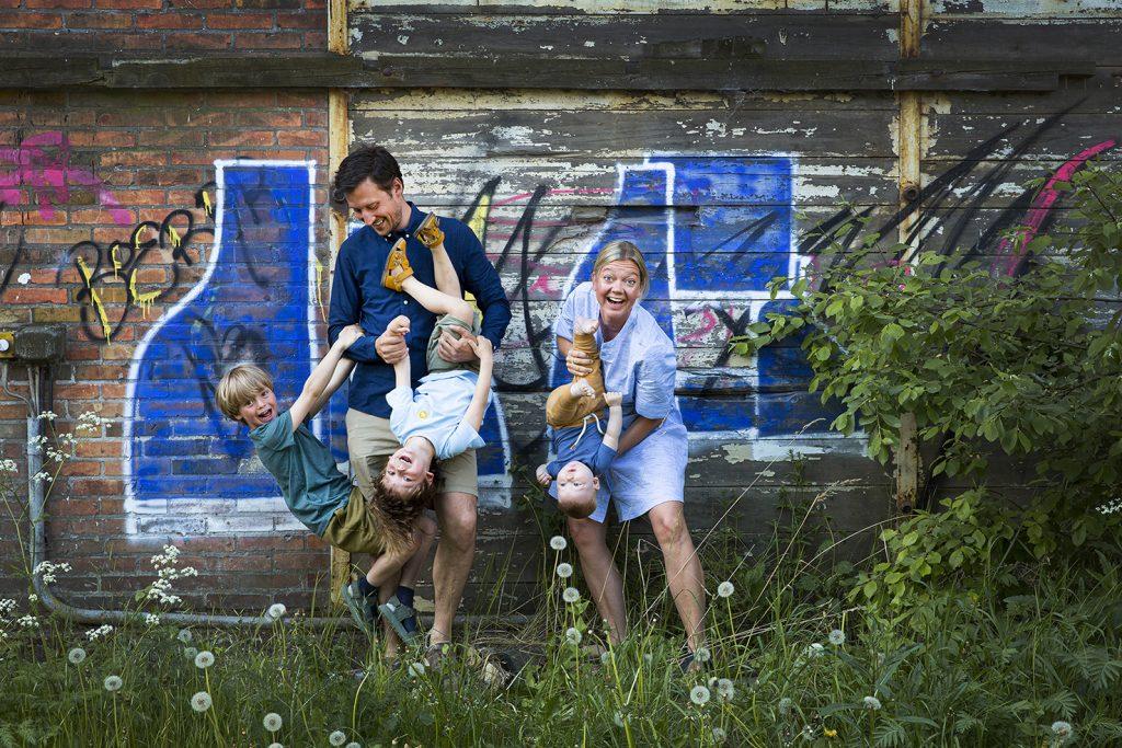 Familie portræt på Refshaleøen, fotograf: Pernille Kaalund