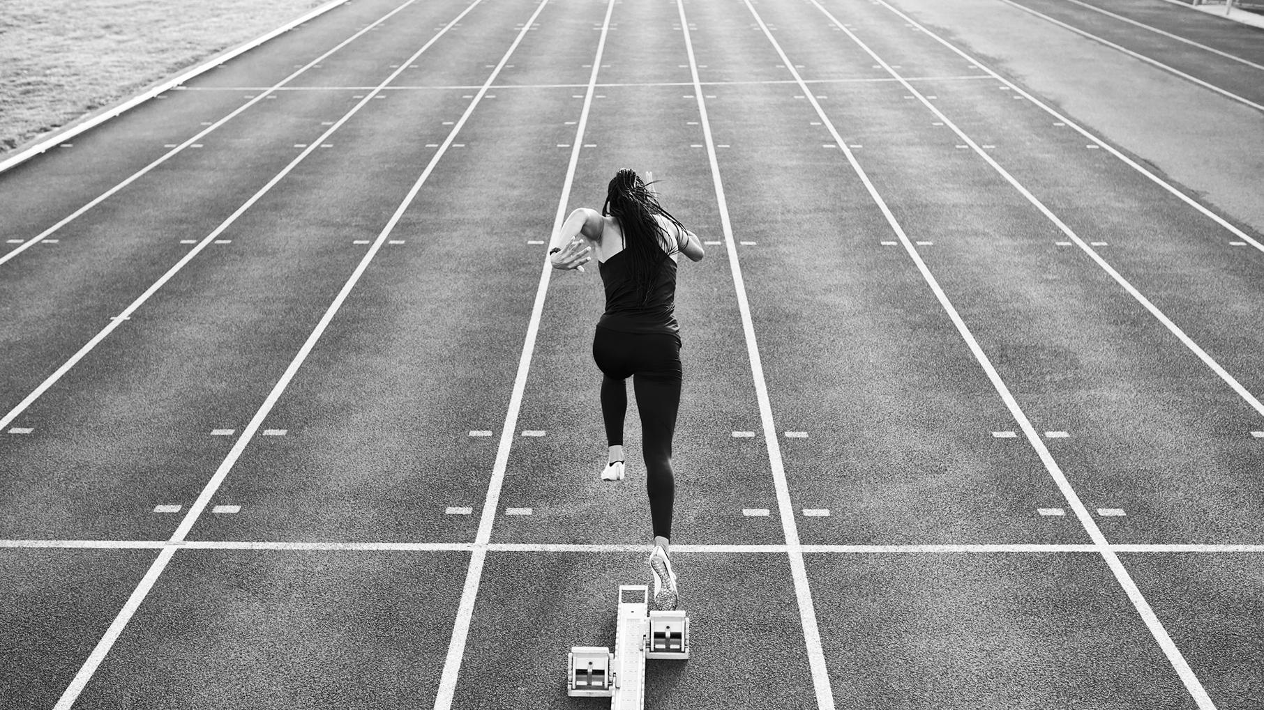 SD_Venture3_Day_2_Track-Runner_4609-16×9-version