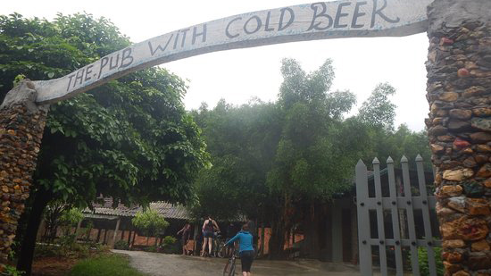 Bong Lai Valley: Pub with cold beer