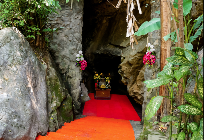 Phong Nha caves, 8 Lady cave, caves in vietnam