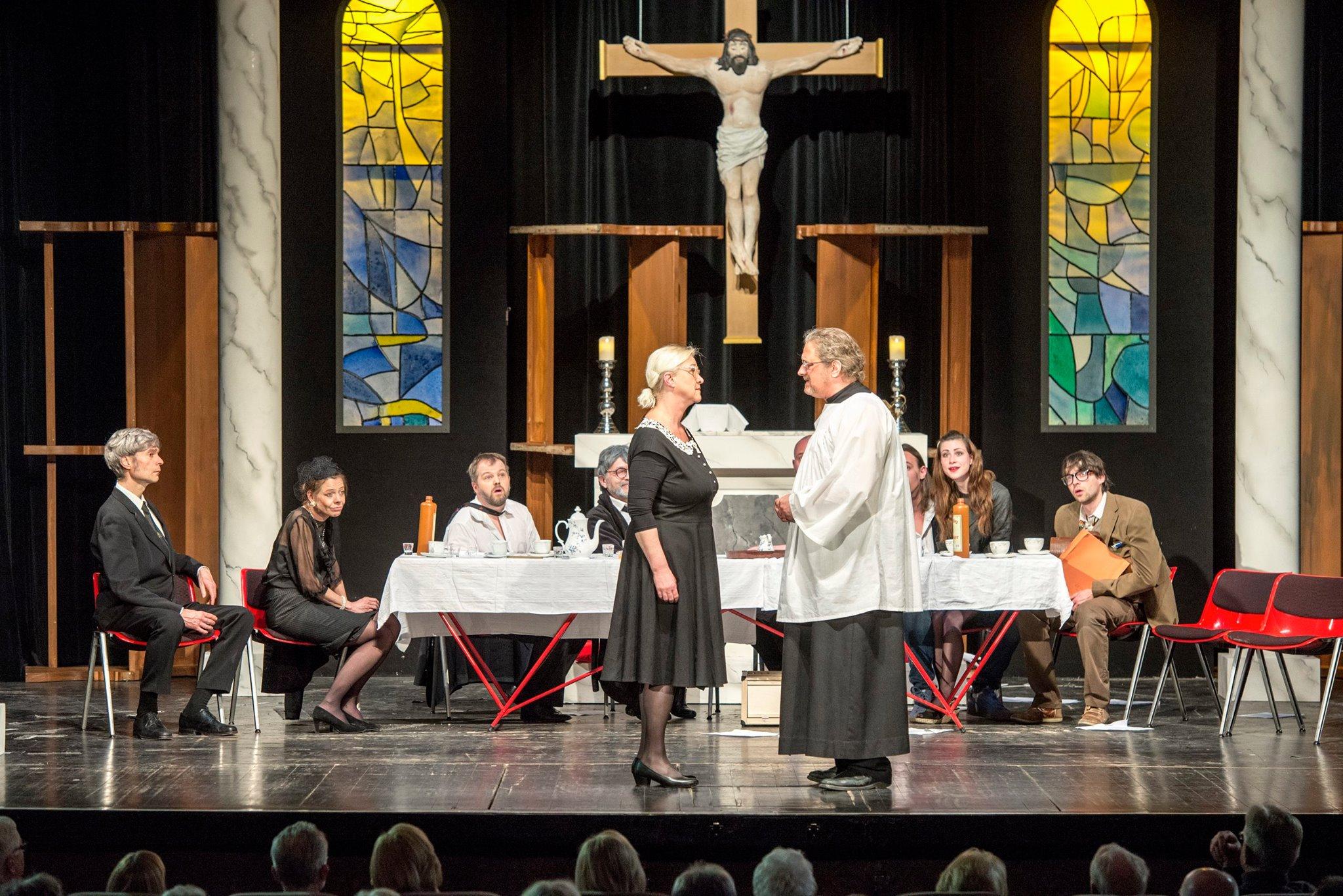 Herr Pastor & Frau Teufel