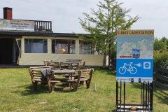 Rückseite der Ladestation Campingpark Rerik