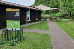 """Vorderseite der Ladestation """"Fischereihof Ahrensberg"""""""