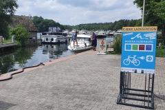 """Vorderseite der Ladestation """"Yachtcharter-Marina-Eldenburg"""""""