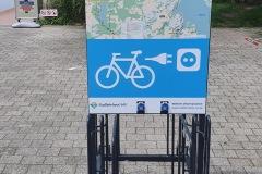 """Rückseite der Ladestation """"Yachtcharter-Marina-Eldenburg"""""""