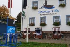Vorderseite der Ladestation Fährmann`s Hus Stahlbrode