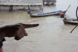 Stick your Finger...... (Ich finde für Europa eine sehr elegenter Ersatz für=
