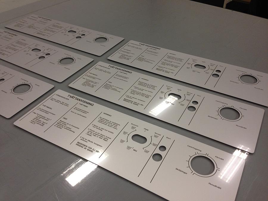 Laserprintad och skuren panelskylt