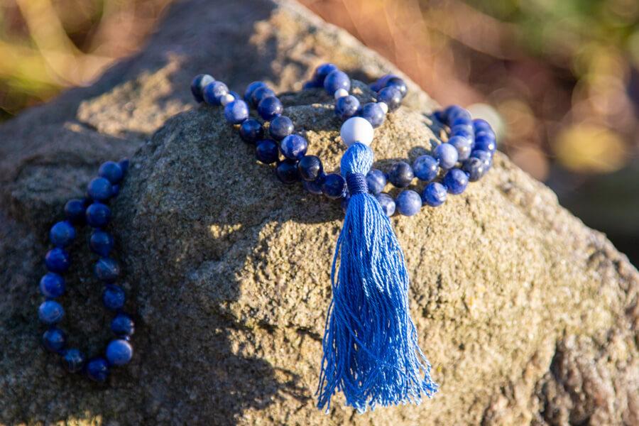 Mala meditationskæde med sodalit