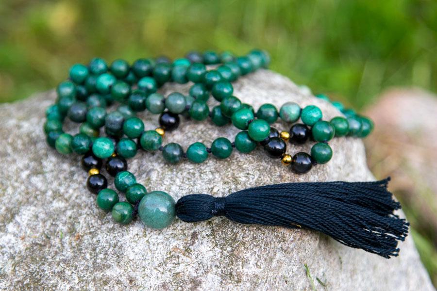 Mala med afrikansk jade og sort obsidian