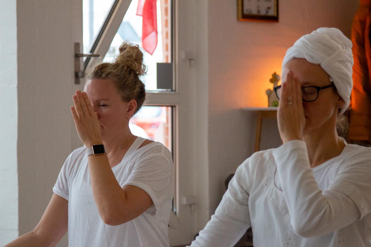 Kundalini Yoga og stressreduktion