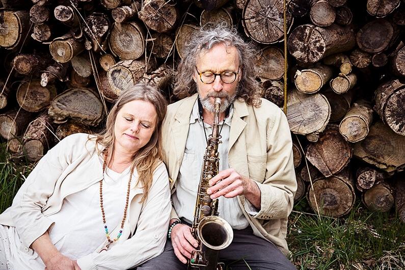 Torben og Joyann Nielsen - SHINING PEOPLE