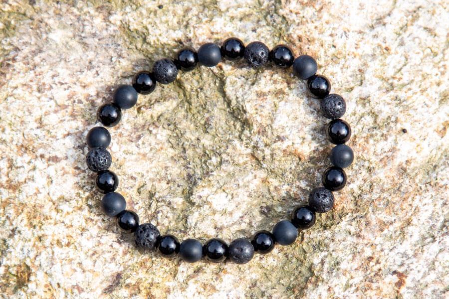 Grounding armbånd med obsidian, lava og agata