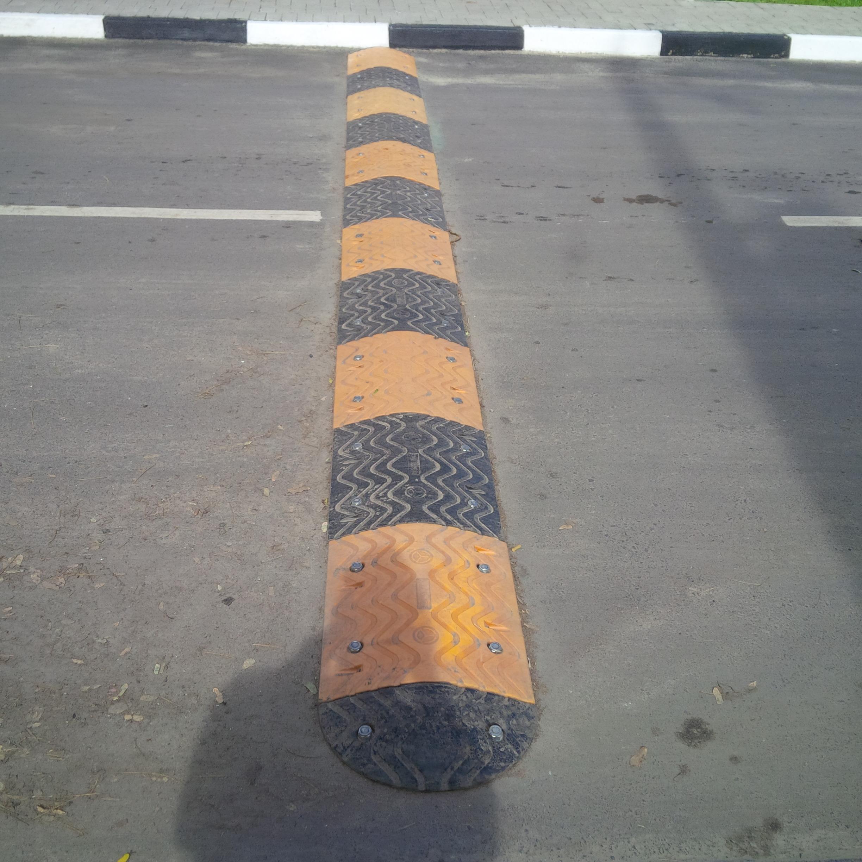 Installation of 48 meters 70mm Rubber Speed Bump at Ikoyi Crescent, Ikoyi Lagos.