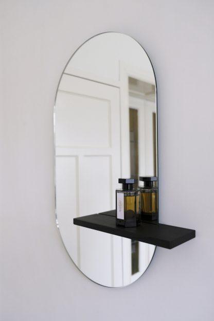 DUSK minimalist mirror with wood shelf design spiegel met houten planchet zwart