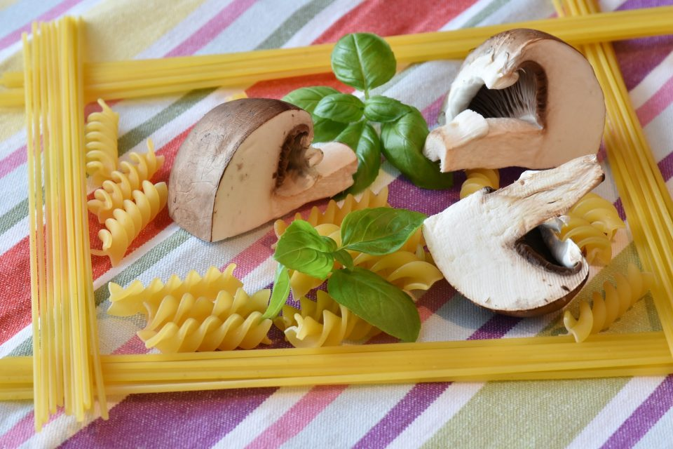 pasta met gemarineerde champignons