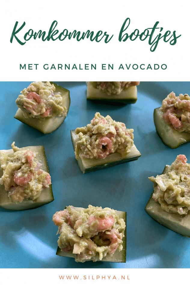 komkommerbootjes gevuld met garnalen en avocado