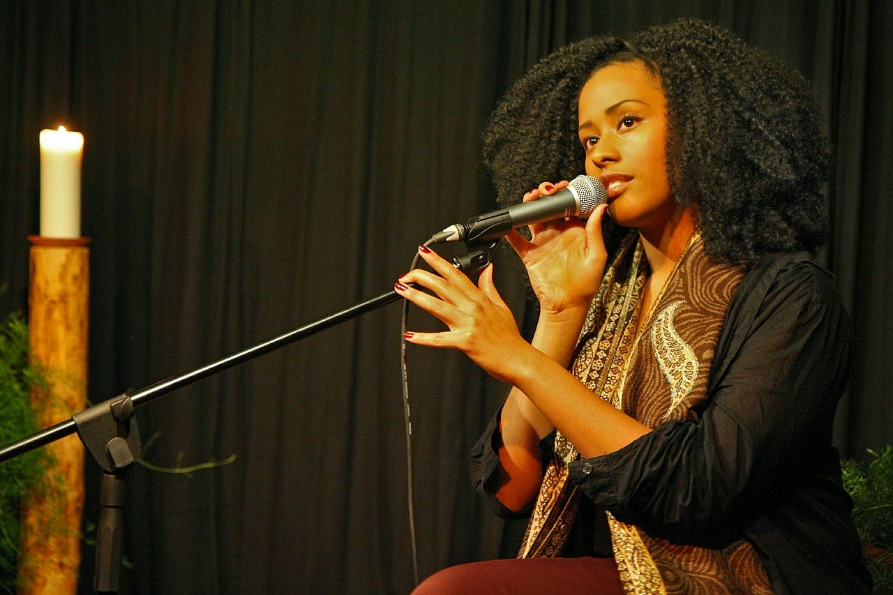 7 things you need to know before taking singing lessons.