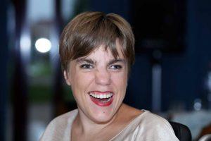Bewoonster Iris brengt eerste gedichtenbundel uit