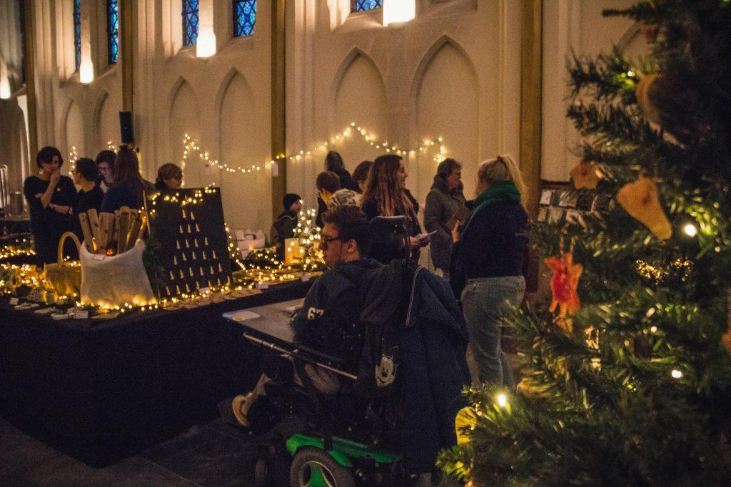 BuBaO Sint-Lodewijk tovert kapel om tot kerstmarkt