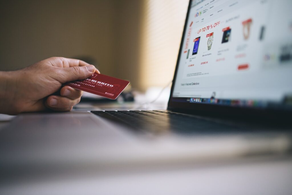 ecommerce, shopping, credit card-2607114.jpg