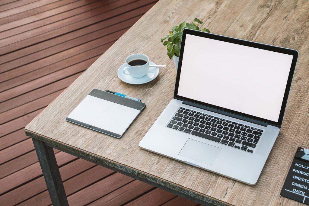 laptop, notebook, work-2443052.jpg