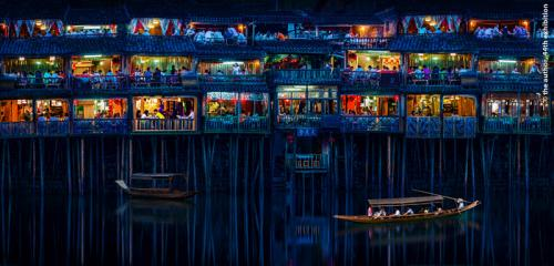FIAP Ribbon-Night Tour of Stilted Buildings-Shenghua Yang-China