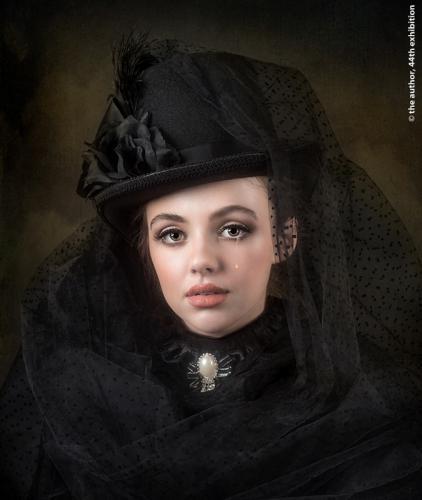 PSA Gold medal-The Black Widow-Joan Blease MPAGB FBPE EFIAPb-England