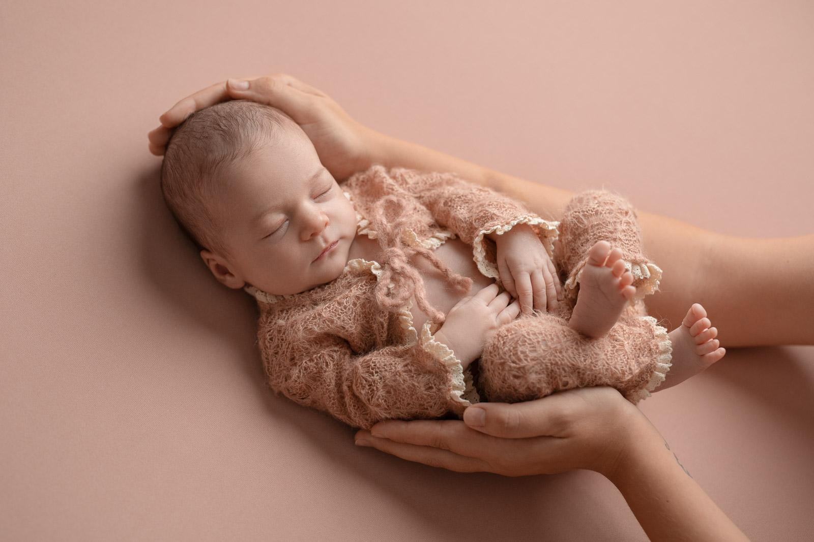 Neugeborenen Fotoshooting 10