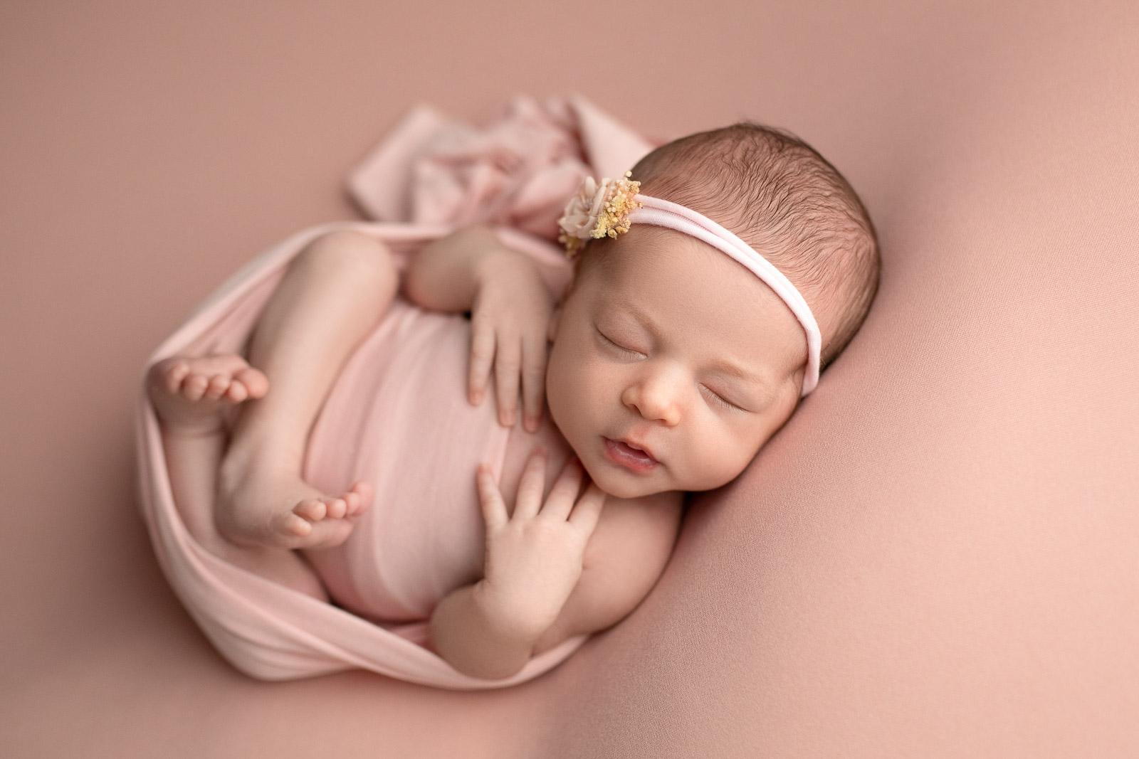 Neugeborenen Fotoshooting 13