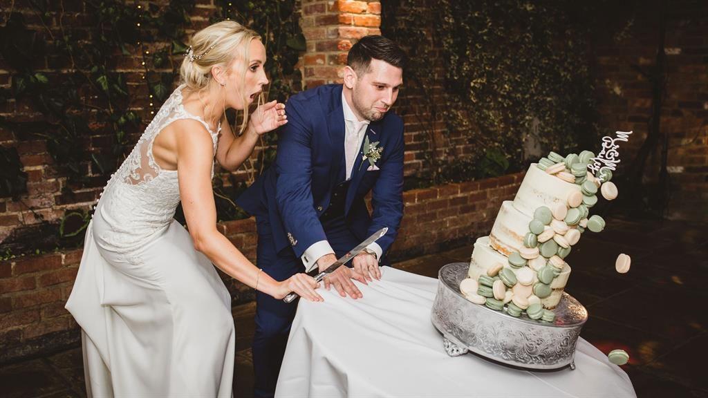 falling cake