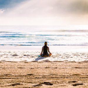 Praktisera Kum Nye Yoga med andra över nätet