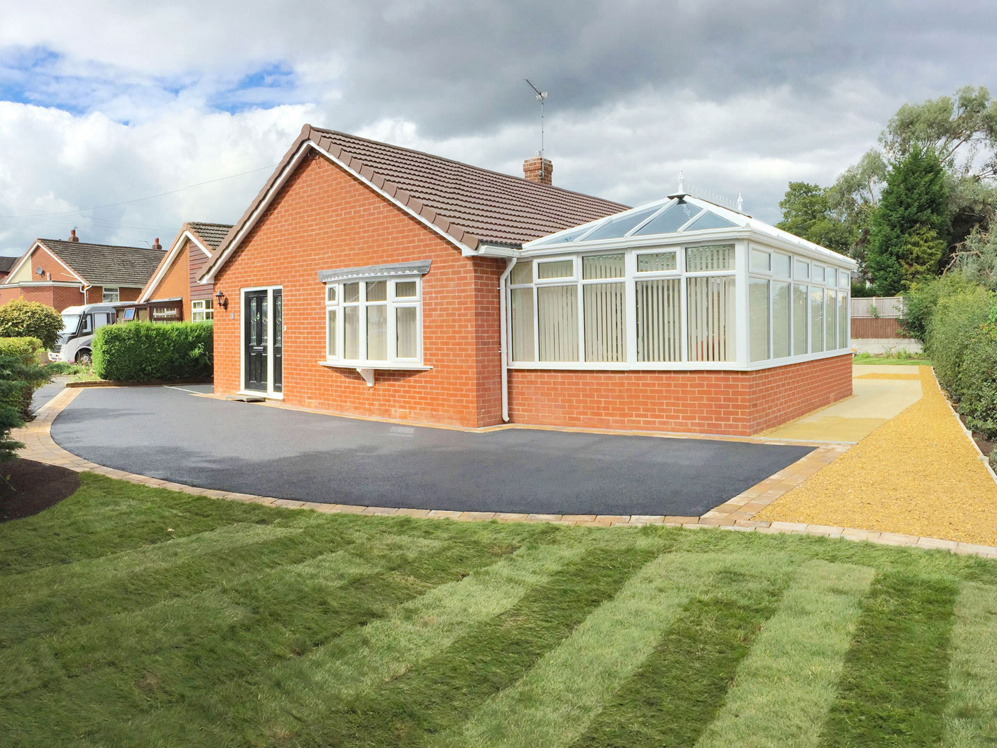 Tarmac driveways in Staffordshire