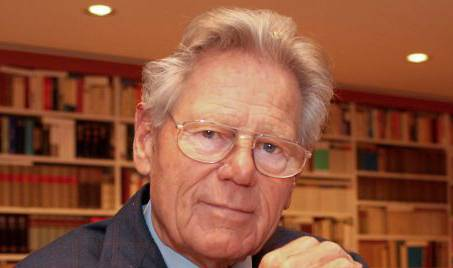 The Swiss Catholic priest, theologian and author, Hans Küng was born 19 March 1928. He has been President of the Global Ethics Foundation (Stiftung Weltethos) since 1995.